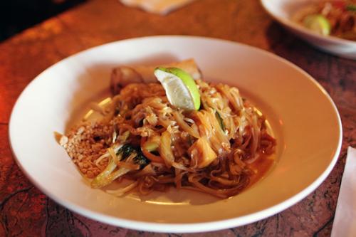 Tong's Thai: Pad Thai Tofu
