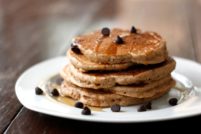 Vegan Chocolate Chip Pancakes | #veggieangie
