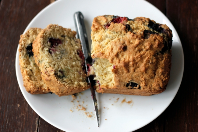Vegan Mixed Berry Bread  | #veggieangie