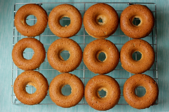 Baked Donuts on a Cooling Rack | #veggieangie