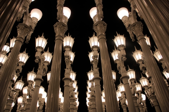 Urban Light by Chris Burden at LACMA | #veggieangie