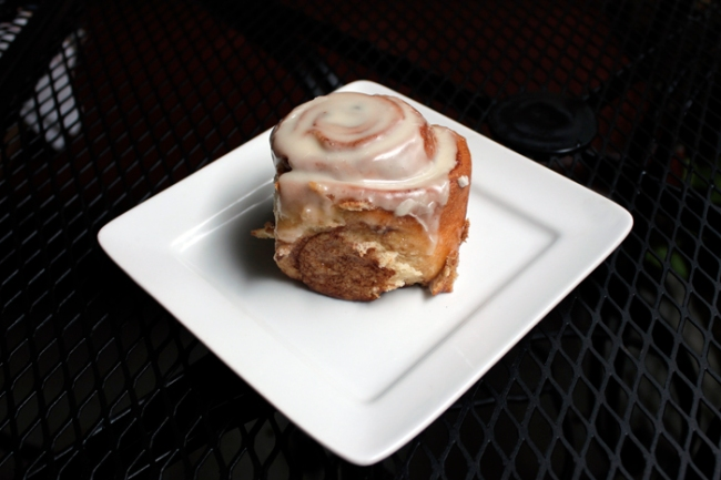 Vegan Cinnamon Roll at Radical Eats  | #veggieangie
