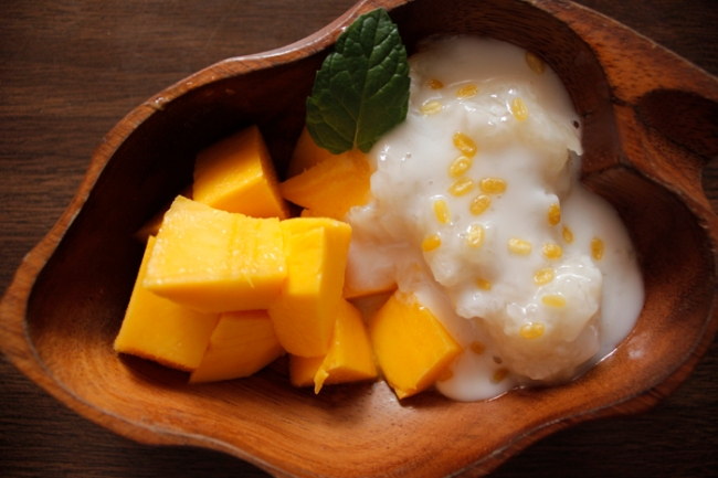 Thai Hot's Sticky Rice with Mango | #veggieangie
