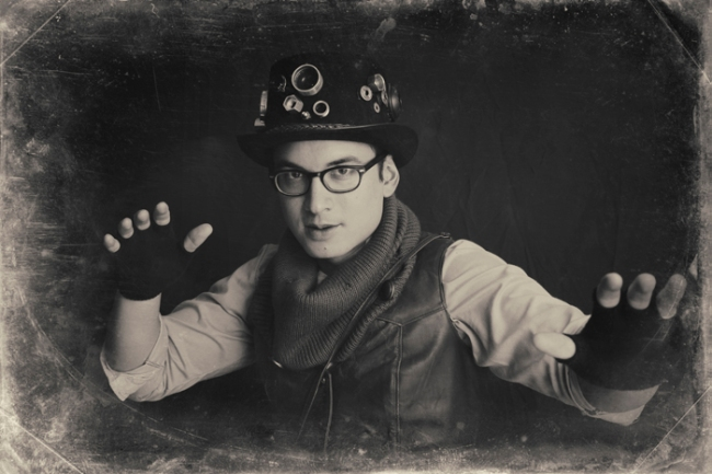Mark Walley Steampunk Halloween Photo Booth #veggieangie